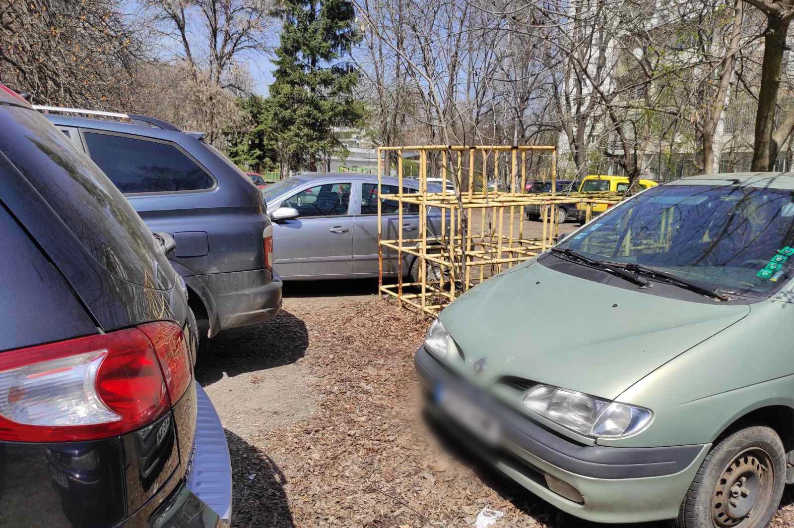 Столичен инспекторат глоби 19 шофьори за неправилно паркиране в Борово