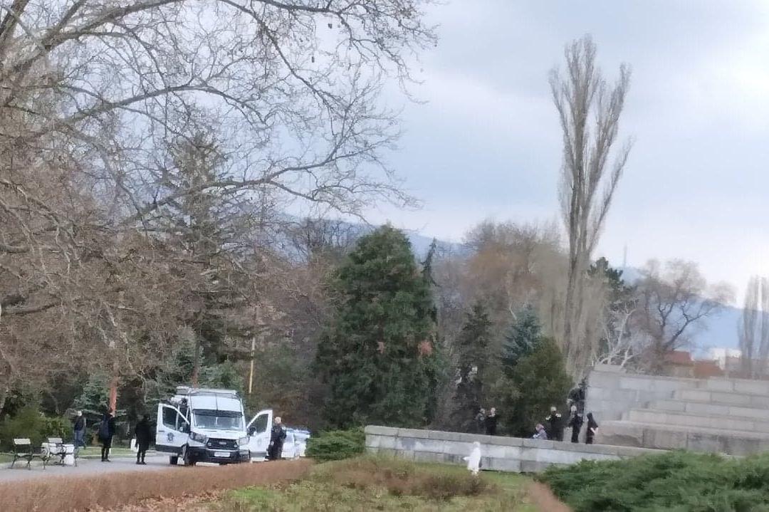 Полицейска акция в Княжеската градина в София