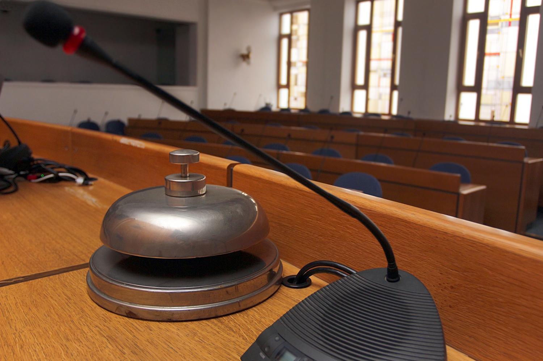 Новият общински съветник в СОС Пеню Пенев се закле онлайн