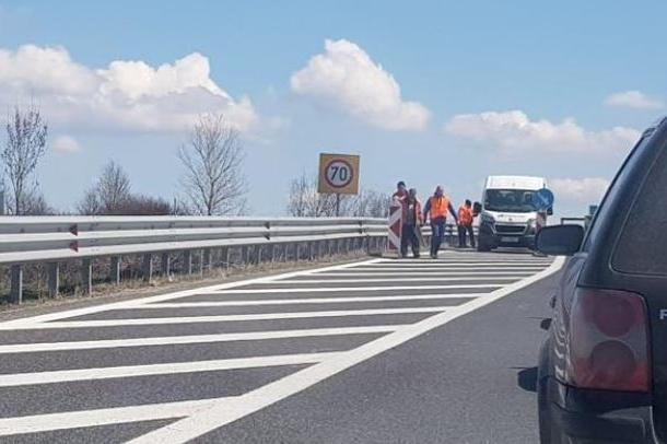 """Частичен ремонт на асфалтовата настилка на АМ """"Тракия"""" ограничава трафика к"""