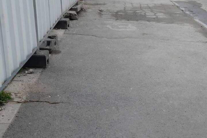 """Глоба за бетон-помпа, блокирала тротоар на """"Тодор Александров"""""""