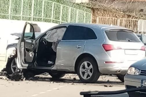 Кола и автобус по линия 20 катастрофираха на Чепинско шосе