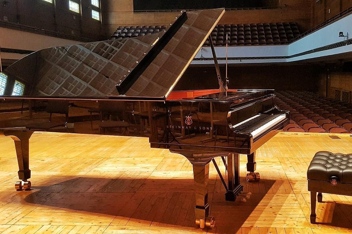 """Придобивка: Зала """"България"""" вече разполага с концертен роял от най-висок кл"""