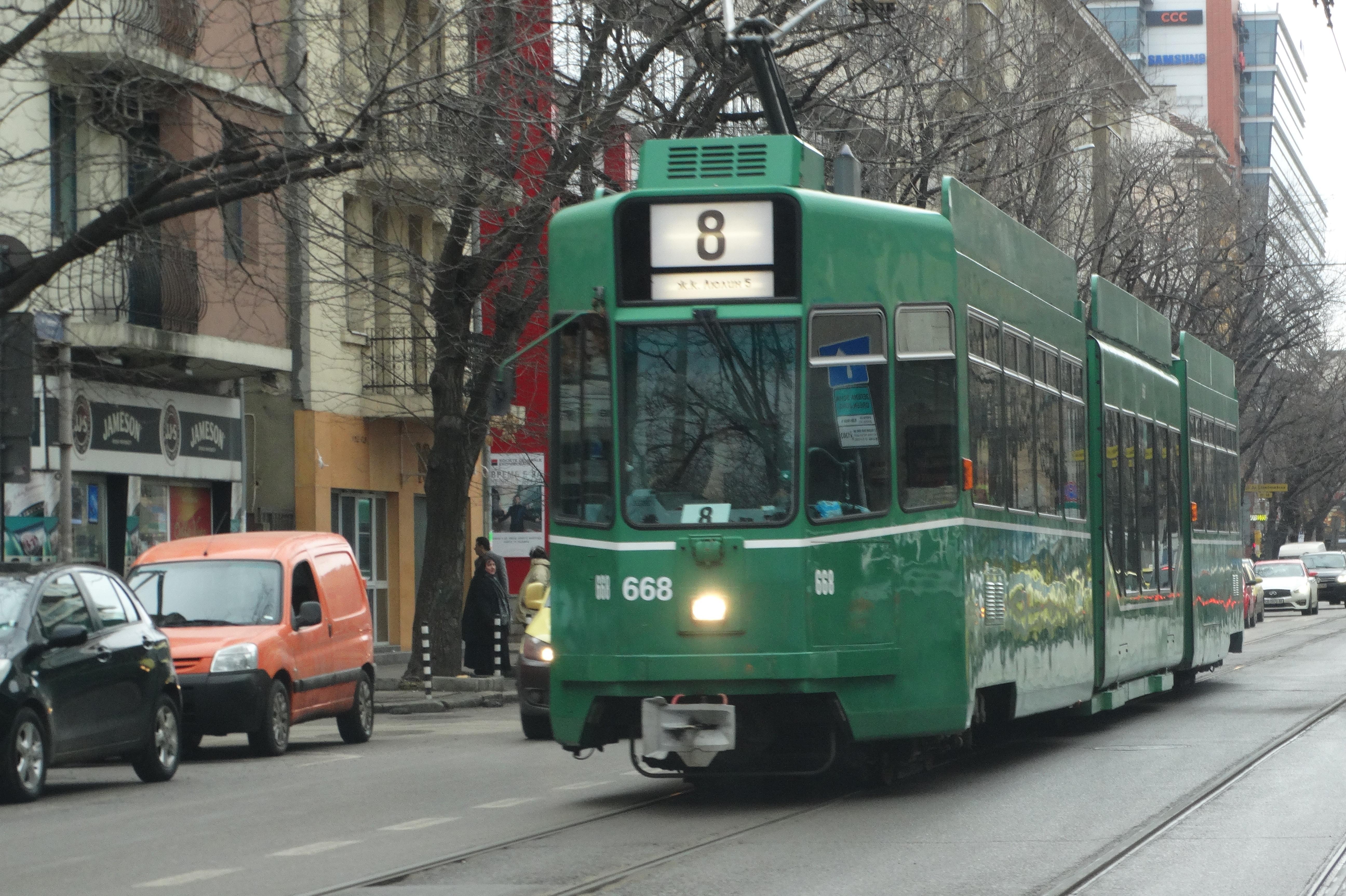 Автобуси ще обслужват трамвайната линия 8