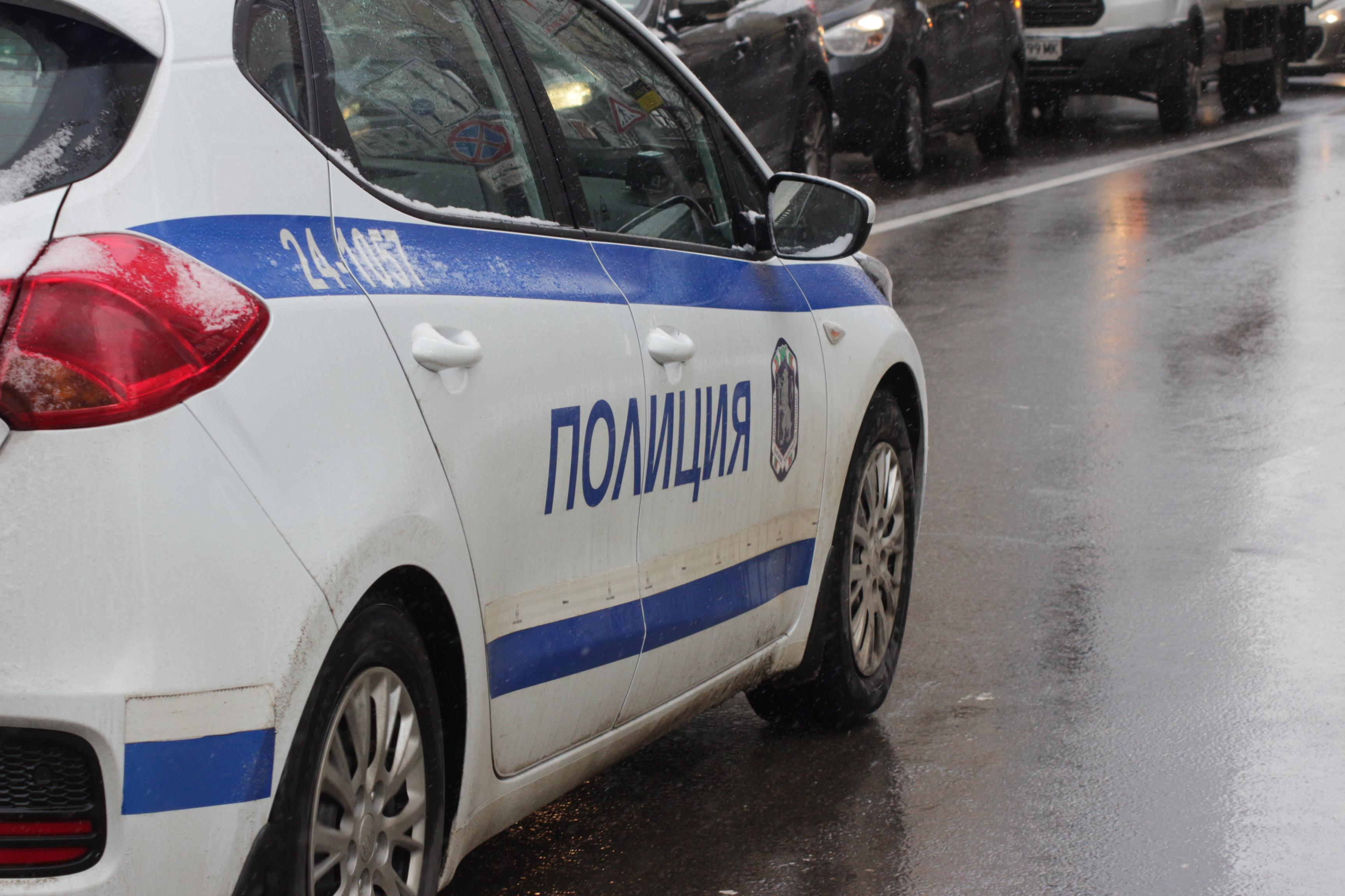 Обвиниха криминално проявен - подлъгал жена от Етрополе за работа в чужбина