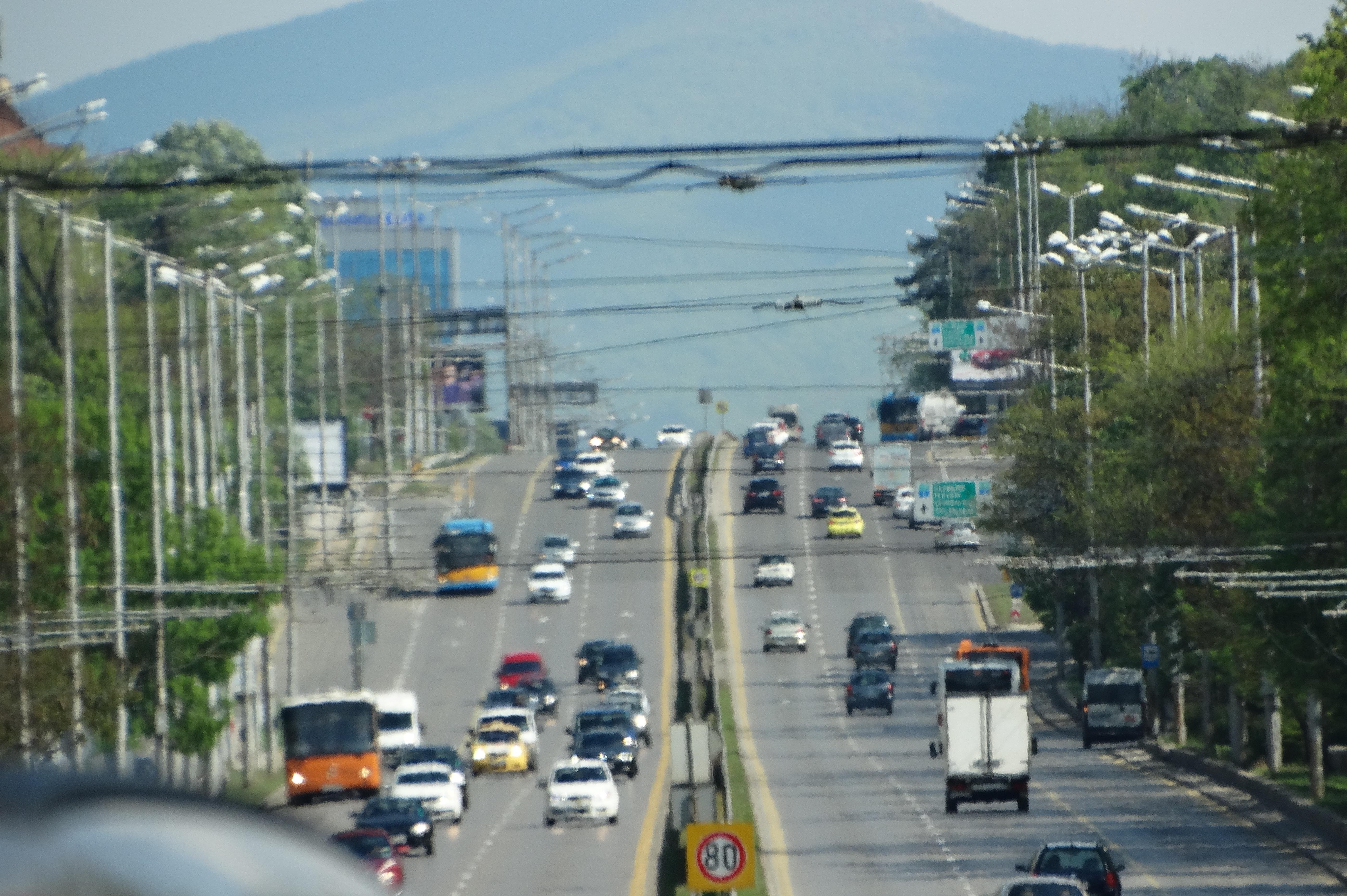 Слагат енергийно ефективно осветление на възлови булеварди в София