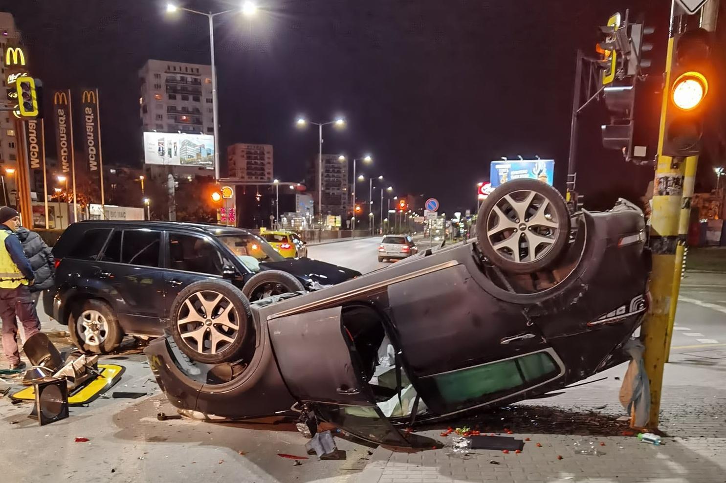 "Жестока катастрофа на джипове на ""Ал. Малинов"" и ""Ф.Аврамов"" в полунощ в Со"
