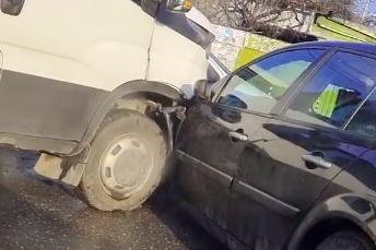 Жена пострада при катастрофа на камион и кола в Орландовци
