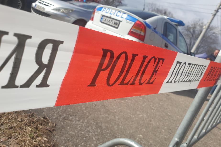 В Костинброд иззеха контрабандни цигари от търговски обект