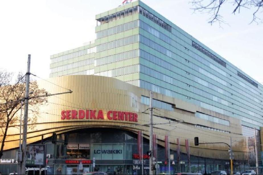 От 16 април: В София и страната отварят моловете и игралните зали