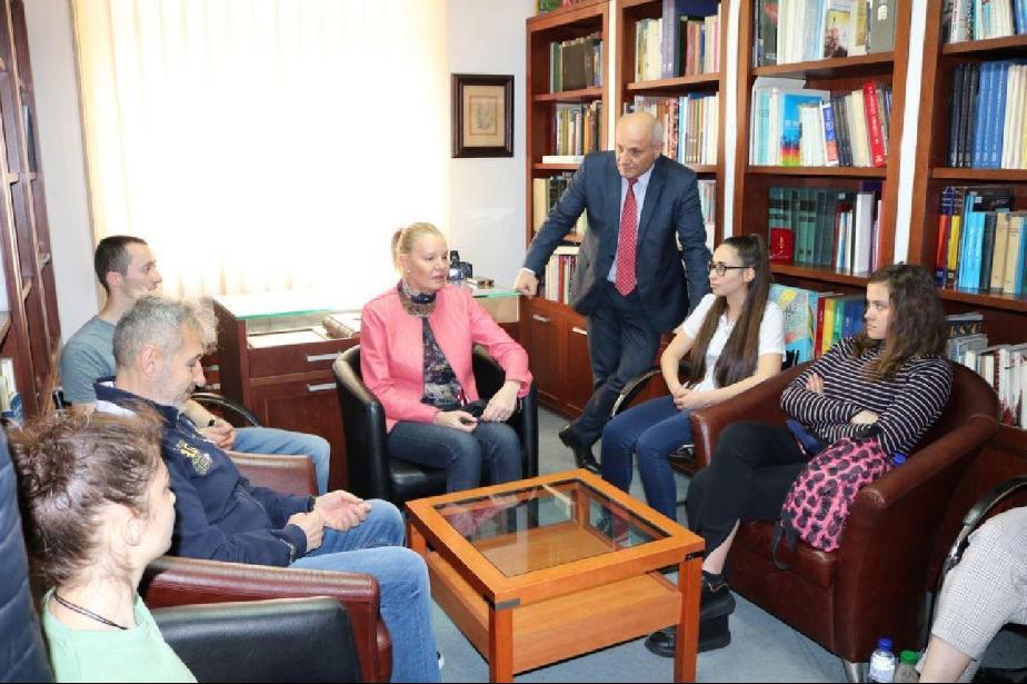 Стефка Костадинова пред студенти от НСА: Следвайте мечтите си, въпреки изпи