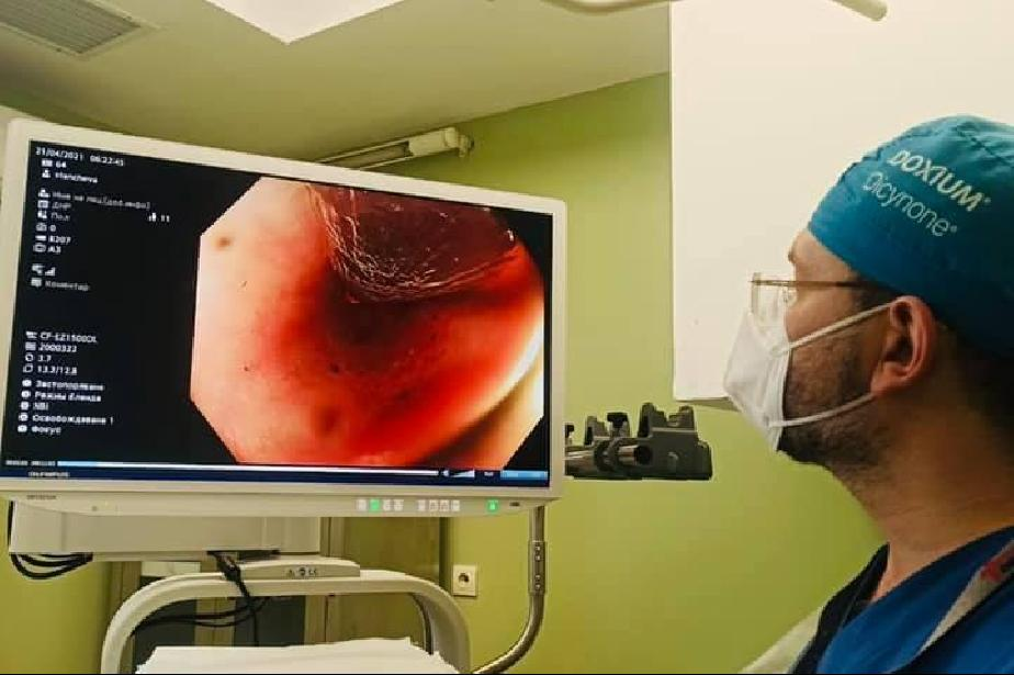 """След 4 часа операция: В """"Пирогов"""" спасиха 33-годишен, глътнал дървено яйце"""