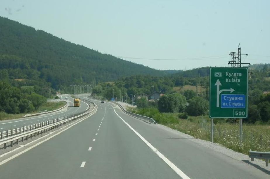 """Трафикът в тунел """"Мало Бучино"""" на """"Струма"""" ще е двупосочен в тръбата за Соф"""