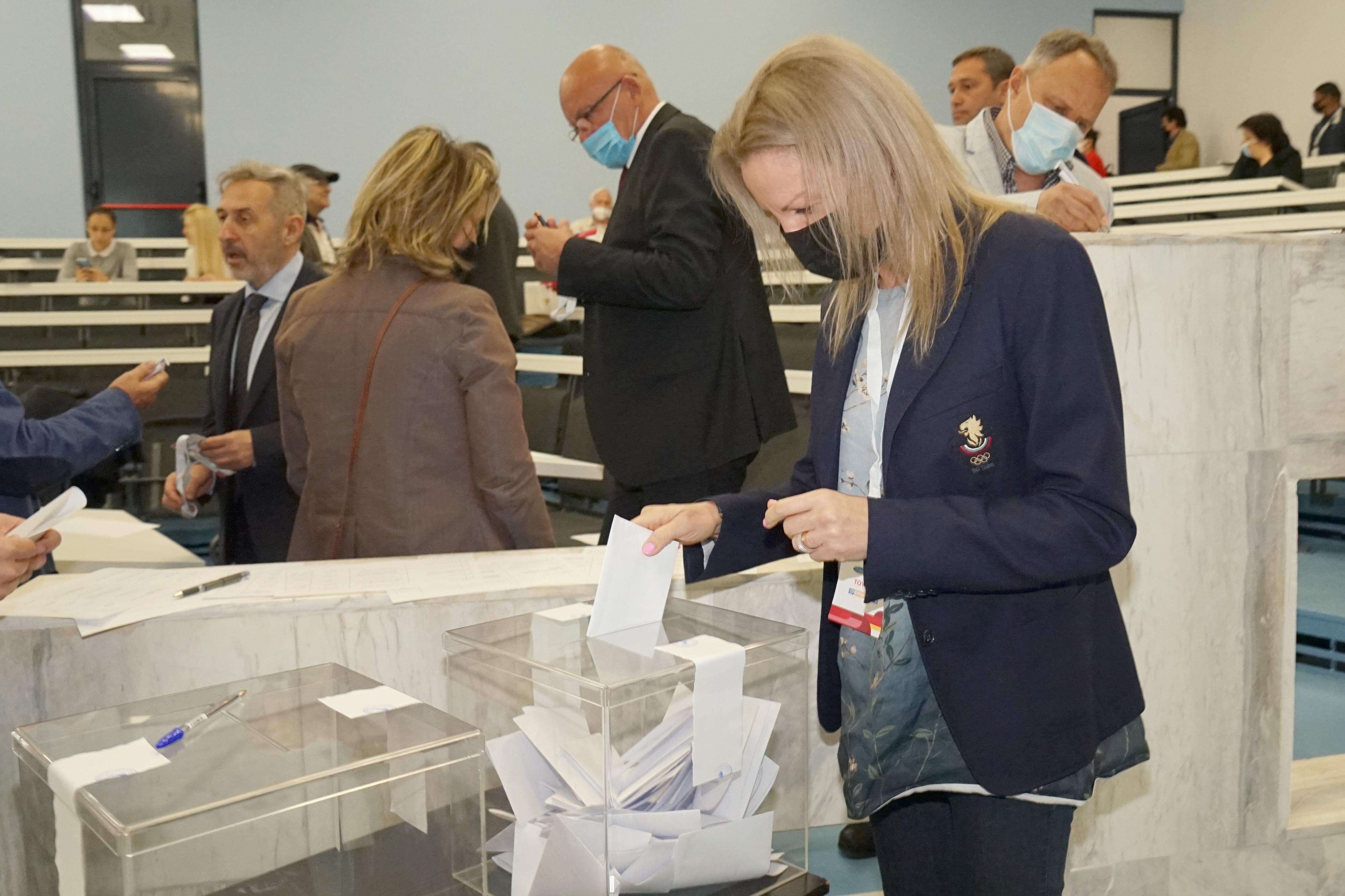 В София Стефка Костадинова бе преизбрана за председател на БОК (СНИМКИ)