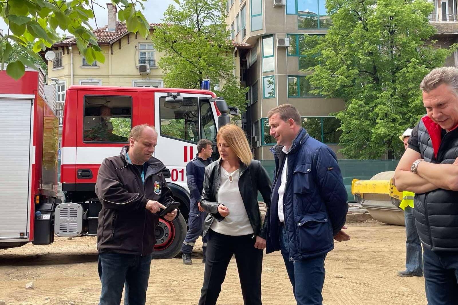 """Намериха авиоснаряд с взривател при ремонта на трамвайното трасе по бул. """"М"""