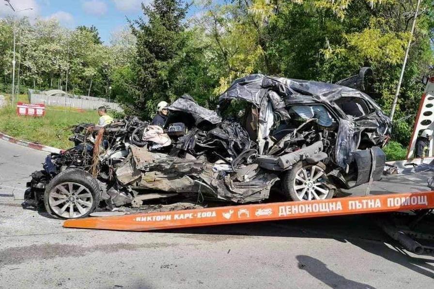 Катастрофа на изхода на Русе в посока София отне живота на двама младежи
