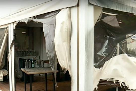Мъж подпали италиански ресторант в столицата (СНИМКИ)