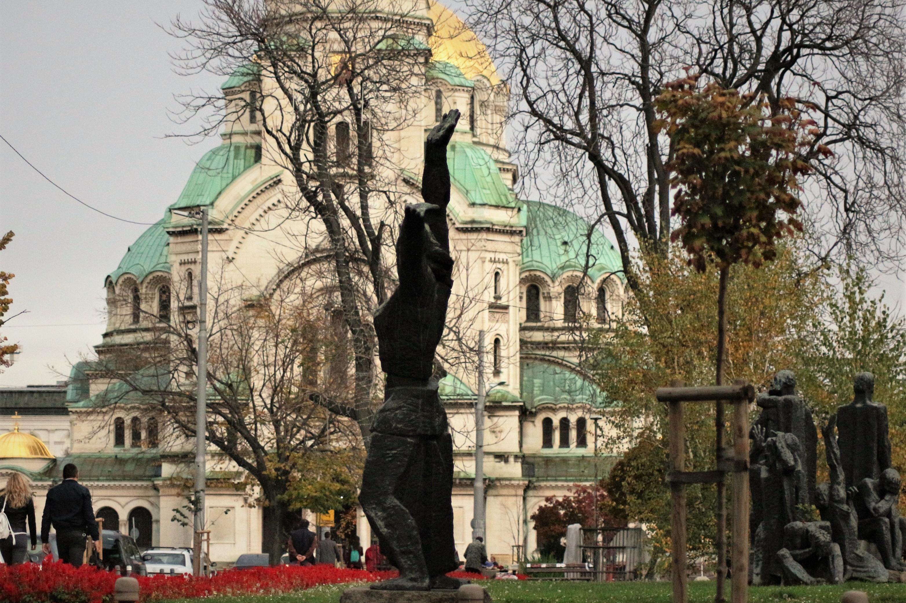 Променят движението в София заради службите за Великден
