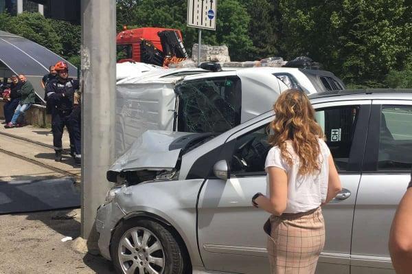 """Катастрофа с обърната кола на """"България"""", Вежди Рашидов е пострадал"""