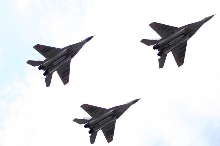 Над София ще прелитат самолети за Деня на храбростта - Гергьовден