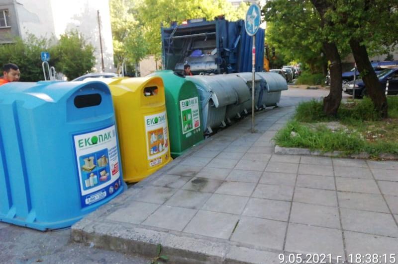 """След сигнал до Столица.bg: Светкавична реакция и изчистени контейнерите в """""""
