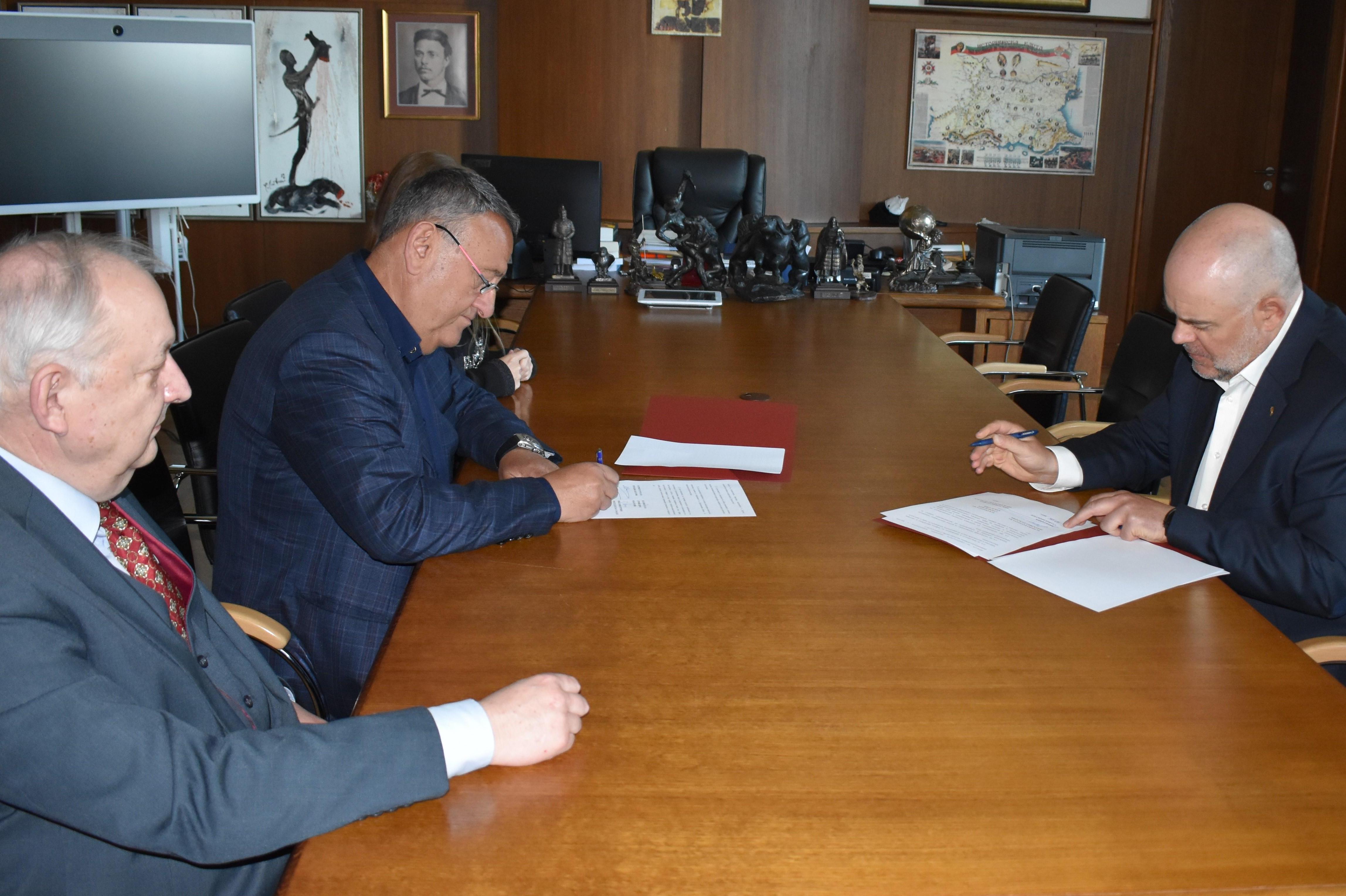 Прокуратурата и Камарата на строителите и ще работят по мерки и санкции в и