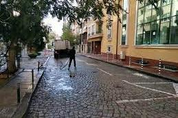 Стартира миенето на улици по обособени карета в столични квартали