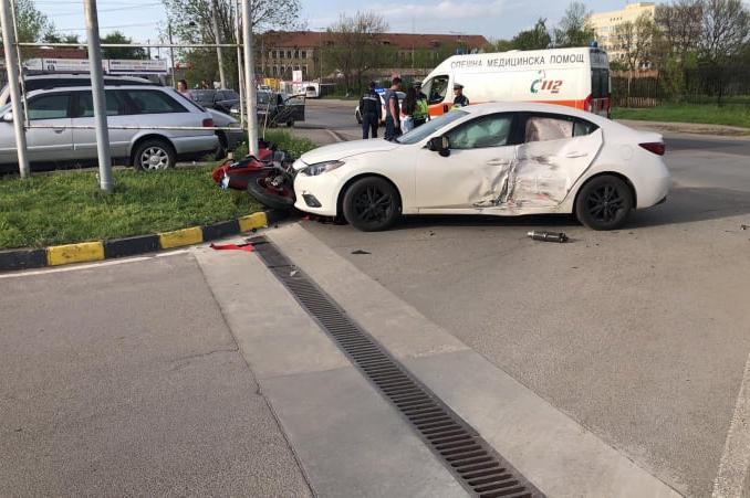 """Моторист е с травма на главата и  в ИСУЛ след катастрофа на """"Орион"""""""