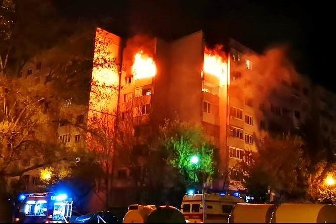 """Апартамент е унищожен при пожар в """"Дружба-2"""""""
