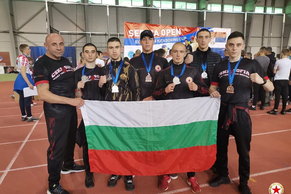 Бойците на ЦСКа се зъварнаха с 6 медала от Европейски клубен турнир в Белгр