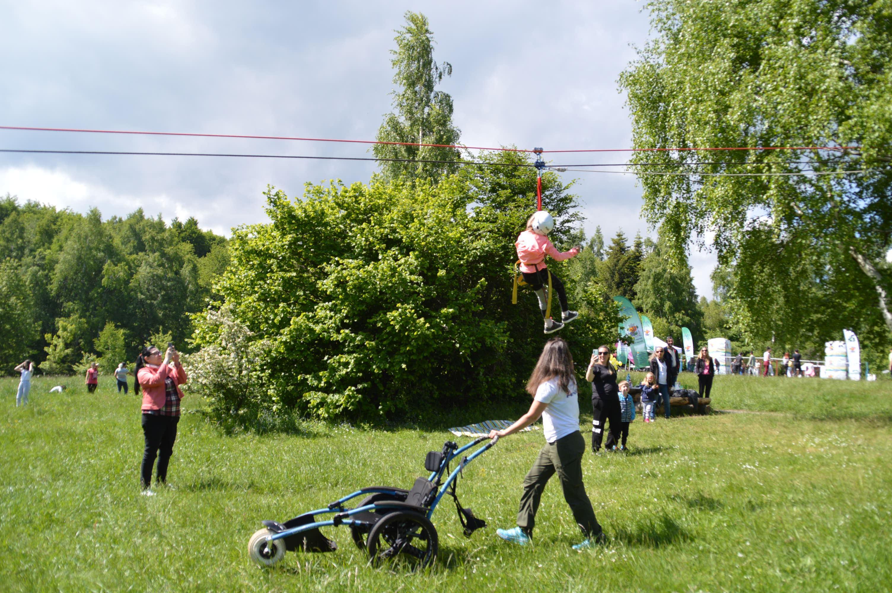 """Над 250 деца участваха в """"Споделените игри"""" на Игликина поляна (СНИМКИ)"""