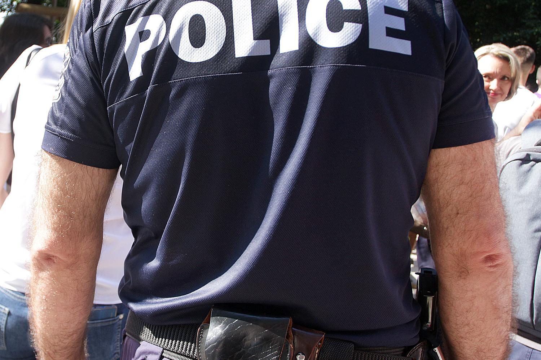 В с. Искрец арестуваха 18-годишен водач, шофирал без книжка