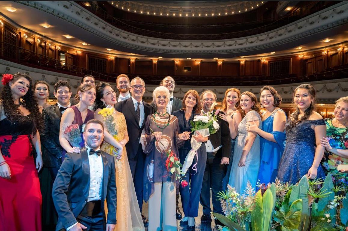 Райна Кабаиванска с майсторски клас в Софийската опера и балет