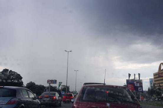 "Катастрофа блокира ""Цариградско шосе"" (СНИМКИ)"