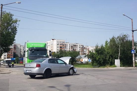 """ПТП в Дружба 1 блокира движението по бул. """"Цариградско шосе"""""""