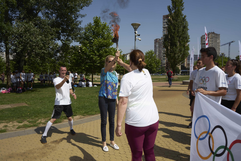В София Стефка Костадинова прие факела с олимпийския огън (СНИМКИ)