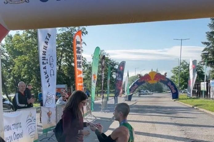 Христо Цветков спечели 100-км бягане около Витоша и предложи брак след фина