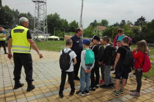 Екипи на АПП обучават малките столичани какво се прави при бедствия