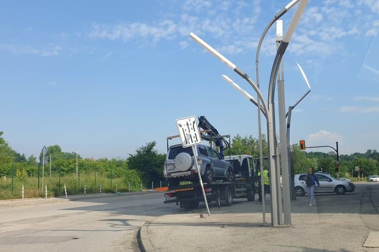 """Паякът вдига около столичния """"Парадайс"""", автомобили да не спират върху трот"""