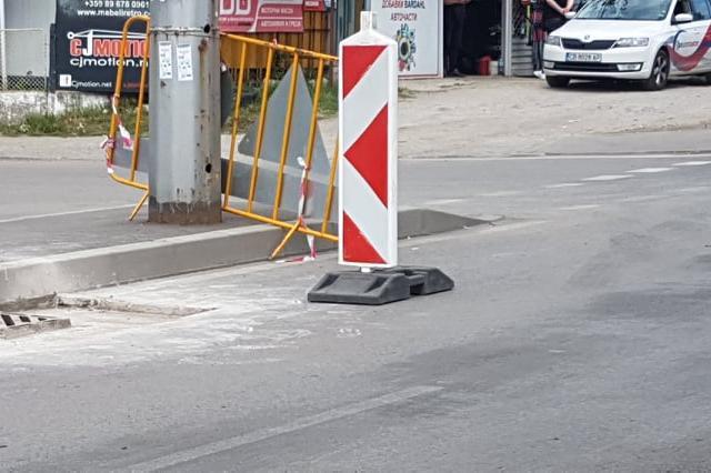 """Щрабаг си оправят дефектите по столичната улица """"Асен Йорданов"""" в Дружба"""