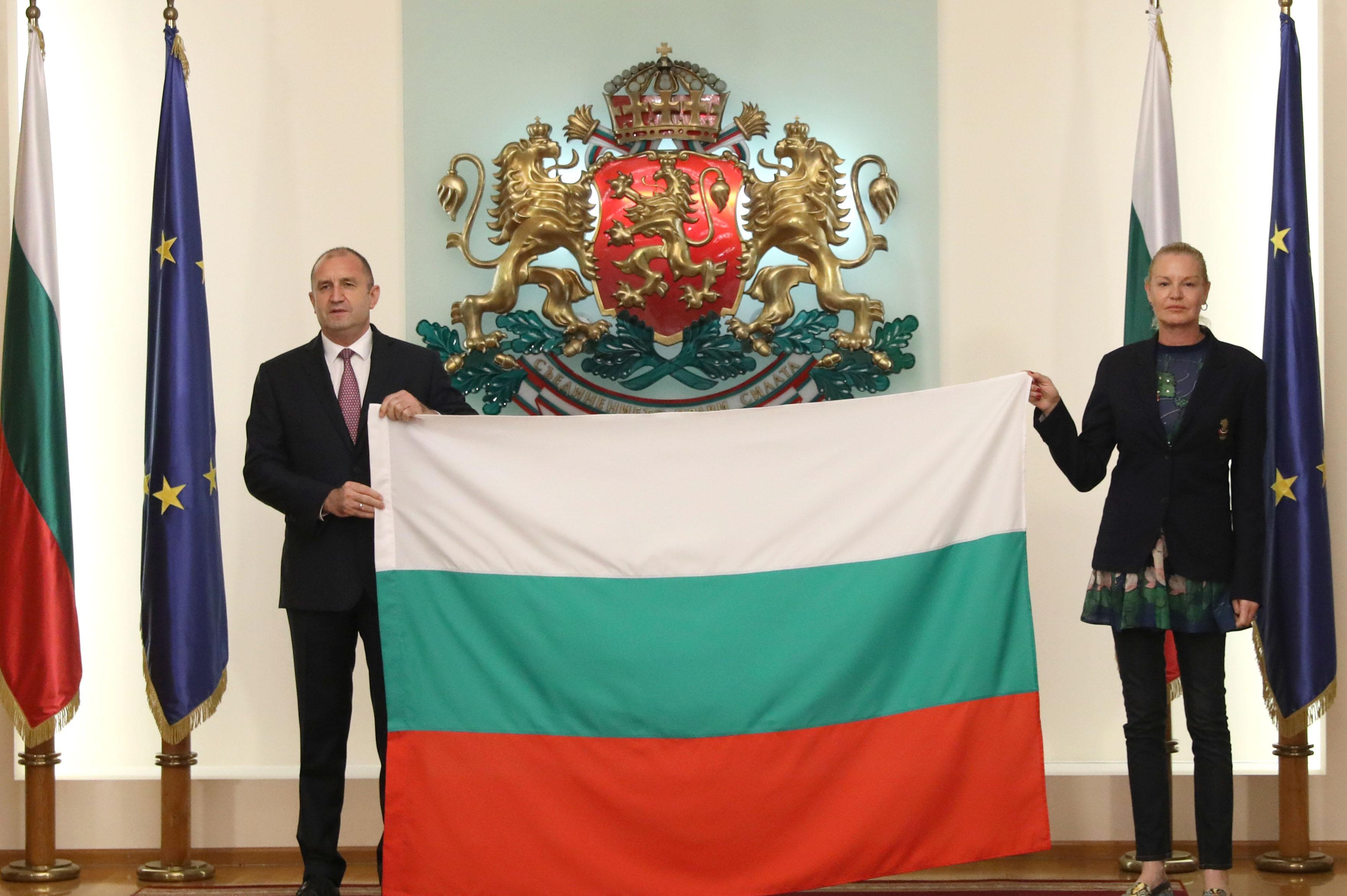 Президентът Радев към олимпийците: За мен е  чест  да ви връча националния