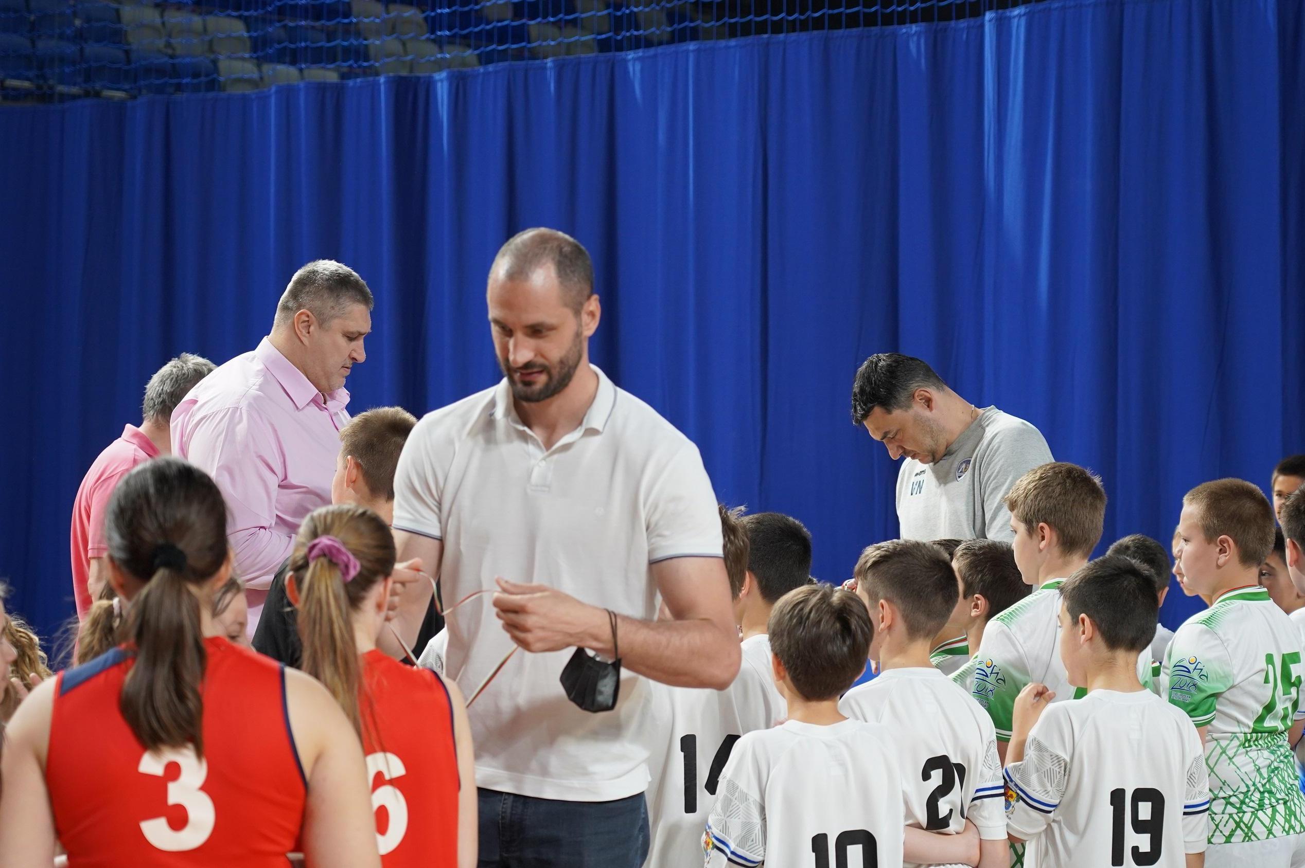 Любо Ганев, Владо Николов и Матей Казийски зарадваха над 150 участници в де