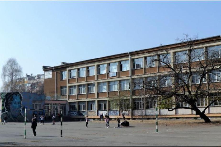 В София и страната: Учениците от 7 и 10 клас се явяват на НВО по математика
