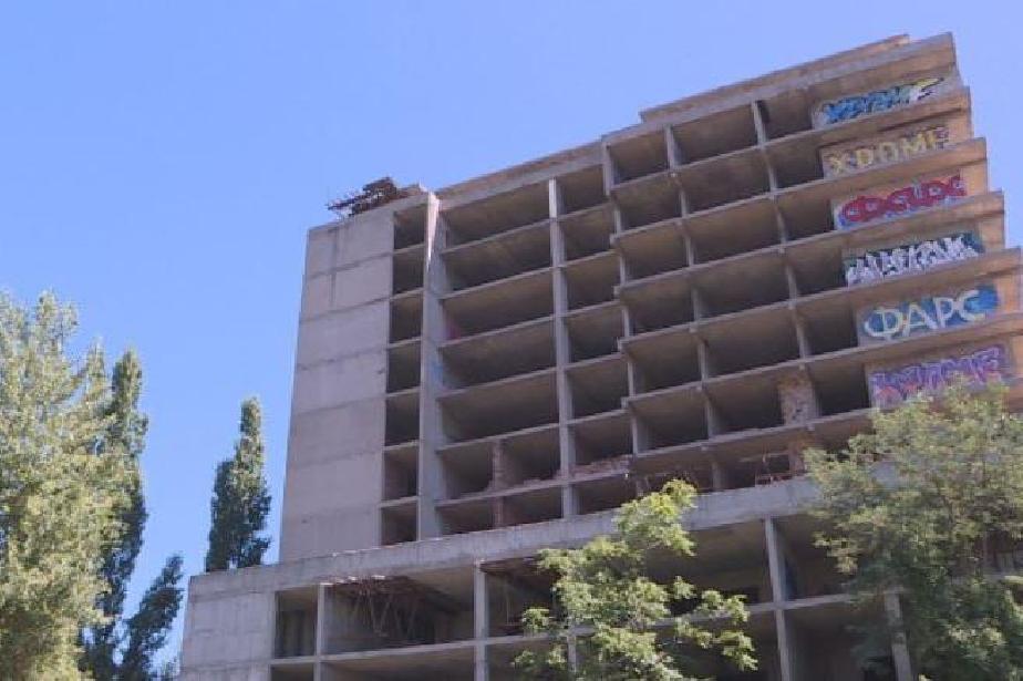 Строителният министър: Ще издадем виза за проектиране на нова детска болниц