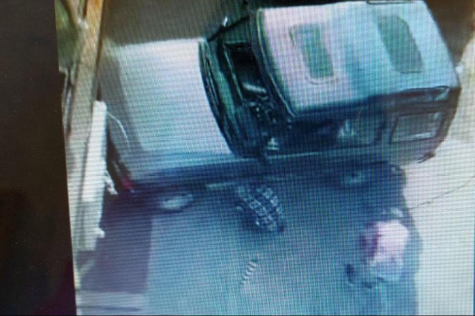 Столичен инспекторат глоби мъжа, отрязал антипаркинг колче с флекс