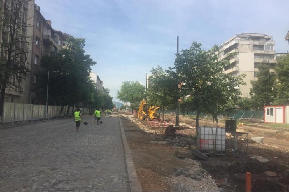 """Ремонтът на """"Цар Борис III"""": Преди 15 септември се окачва да са готови лока"""