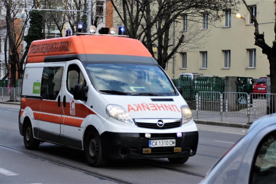 """На гара """"Подуяне"""": Мъж почина, пометен от кола"""