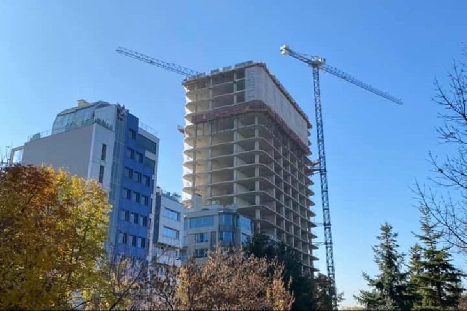 """Заради изтекло разрешително за строеж: Спират окончателно строежа  на """"Злат"""