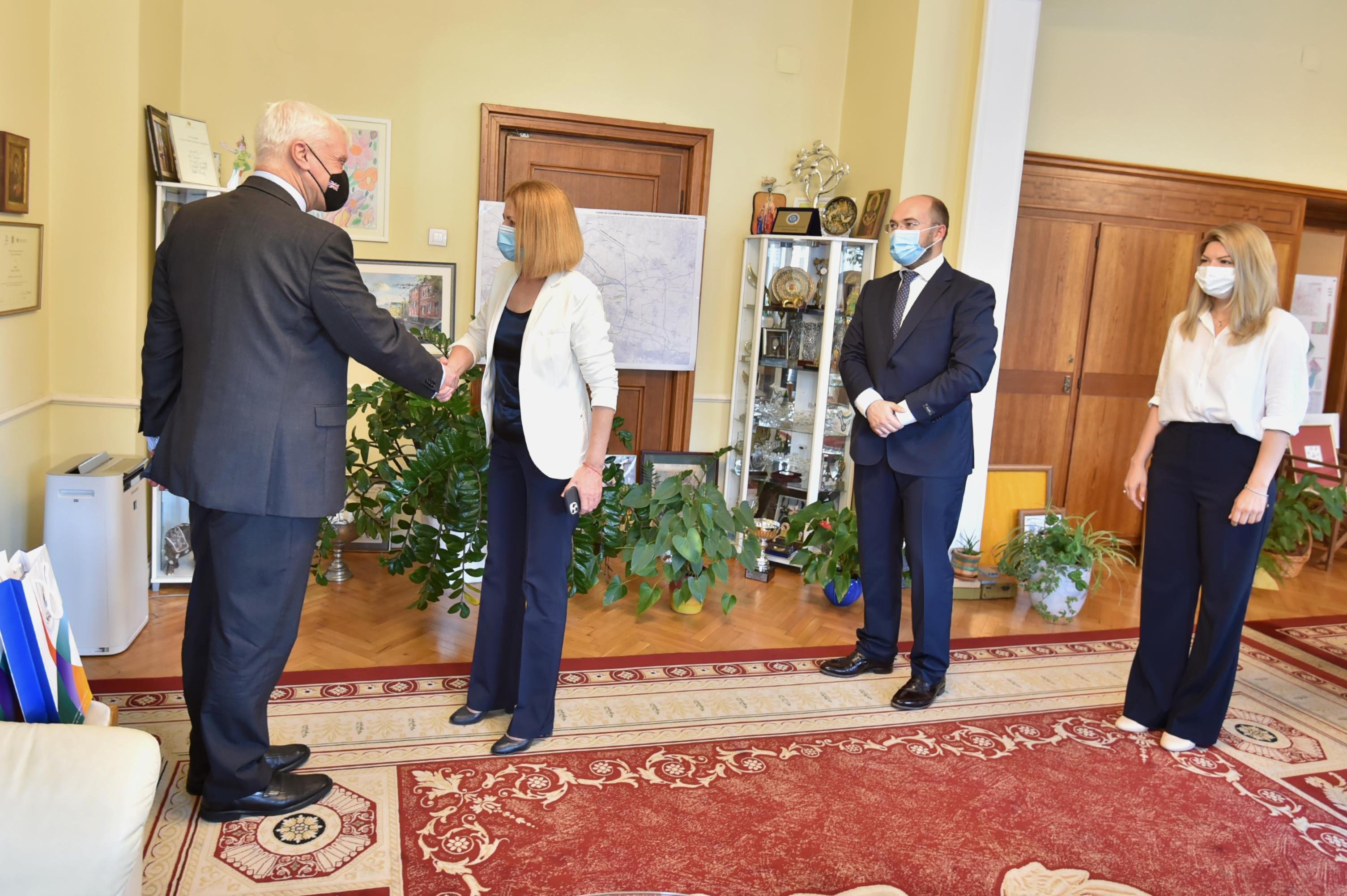 Кметът на София се срещна с комисаря по търговията на Великобритания (СНИМК