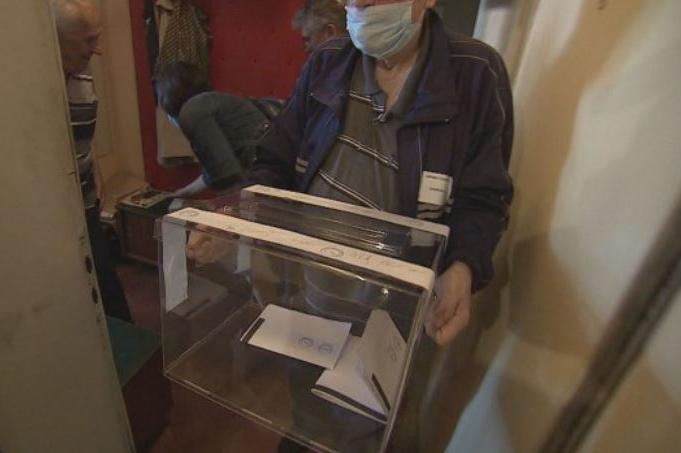 В София малко над 400 души ще гласуват от домовете си